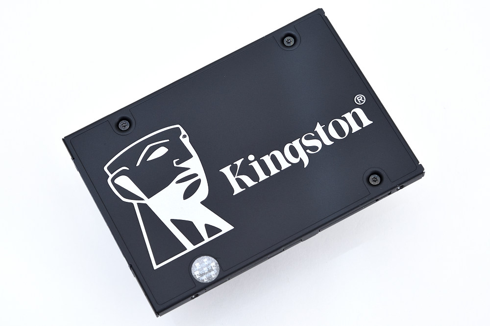 Kingston KC600 (1).jpg