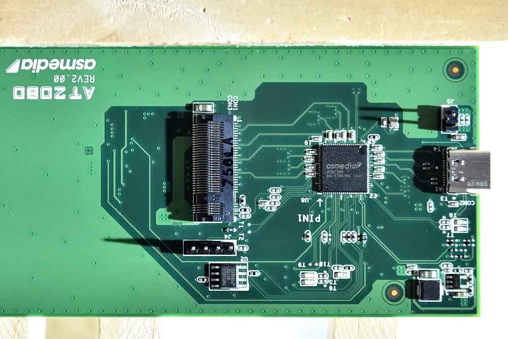 GIGABYTE GC-USB 3.2 GEN2X2 (4).jpg